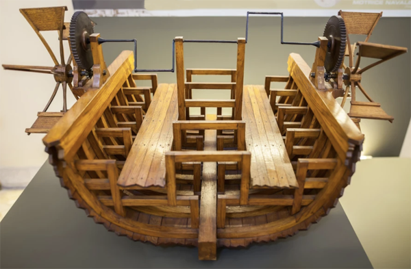 Leonardo da Vinci 2 Wheel Paddleboat